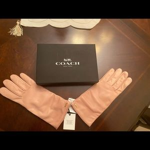 Coach Leather Gloves in Pink